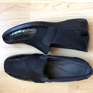 Clark's Black Croc Patent Trim Slip Ons Size 10